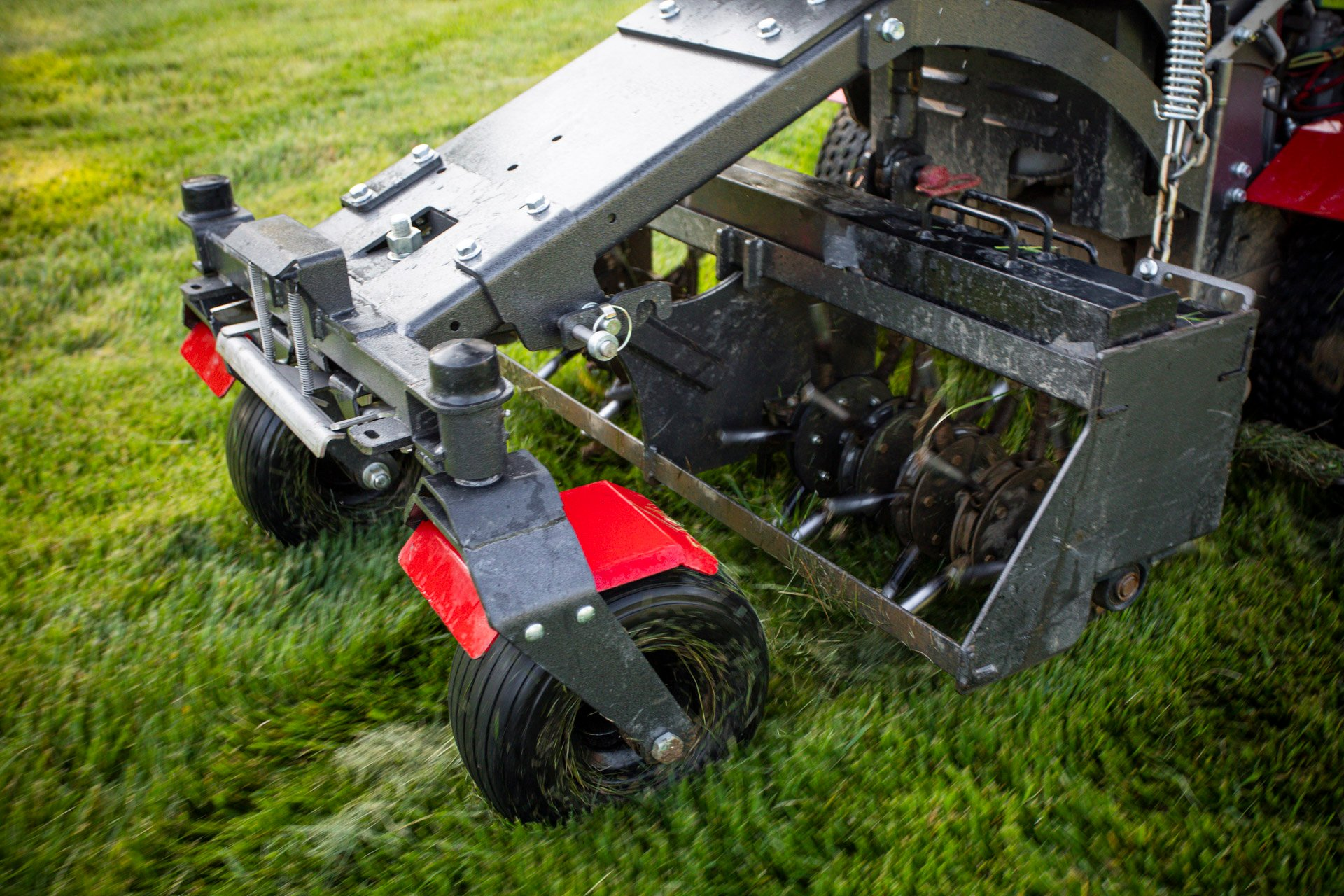 lawn-aerator-2