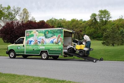 lawn-care-truck-ramp-technician