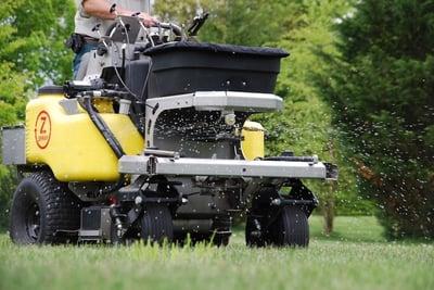 lawn fertilization to make grass dark green