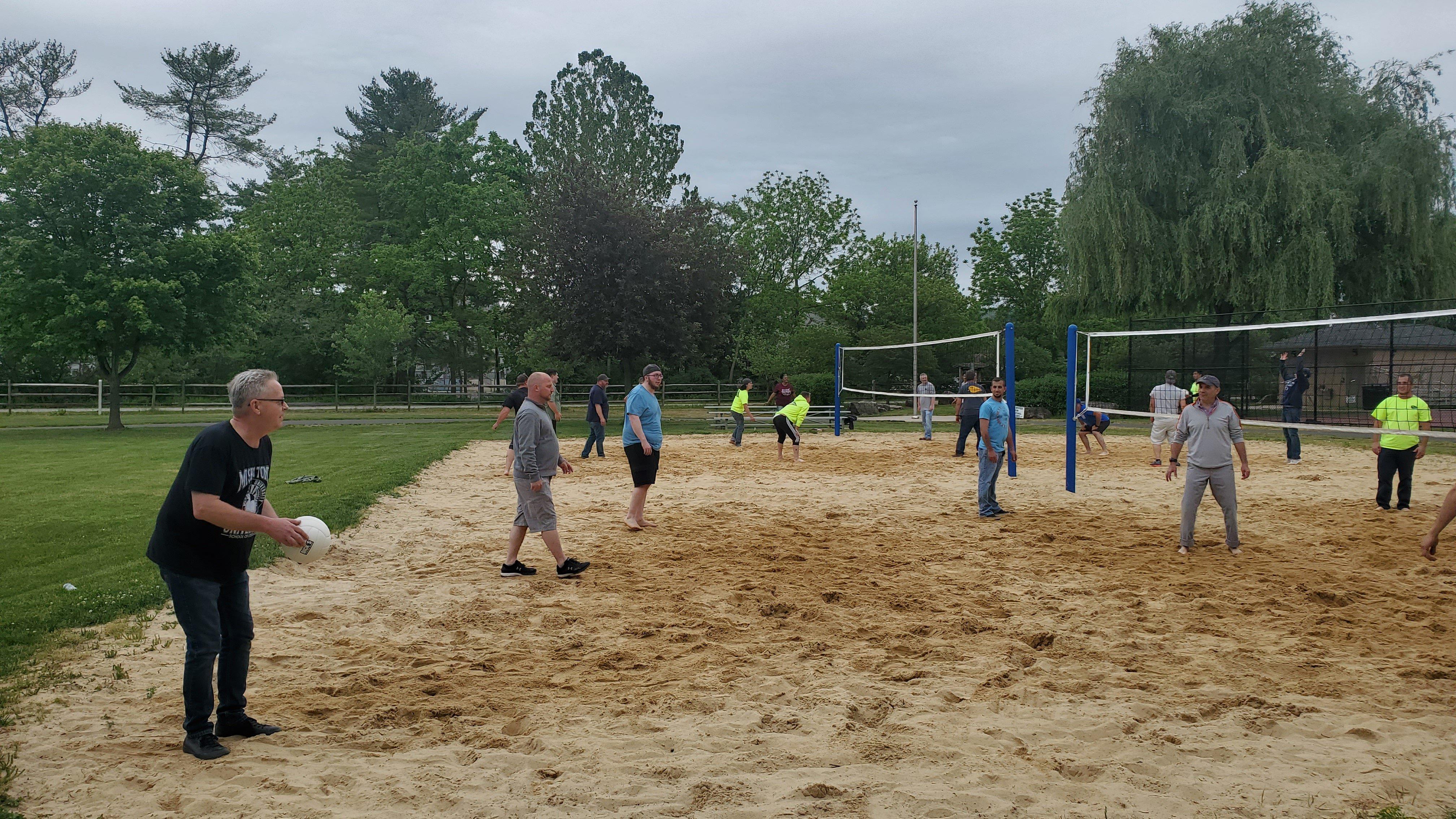 Joshua Tree employees playing volleyball